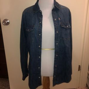 A&F snap denim collared shirt. NWT
